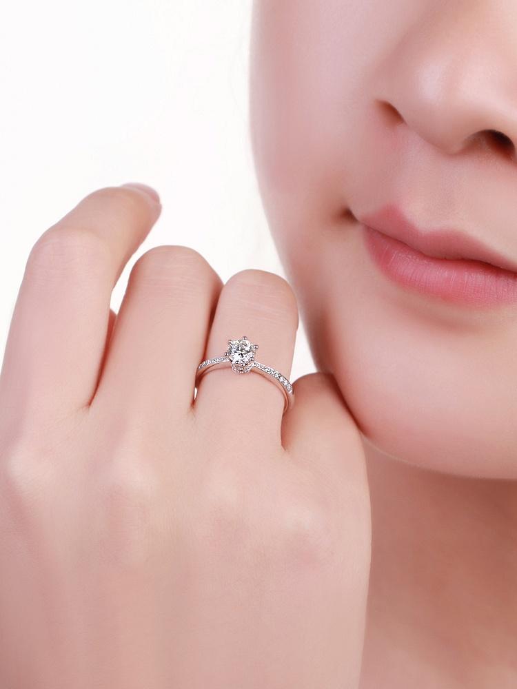 白18k金钻戒40分真爱皇冠钻石结婚戒指
