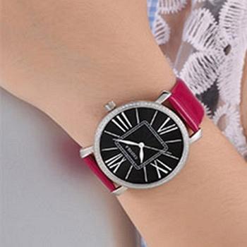 中国•黑面时尚休闲女士石英腕表