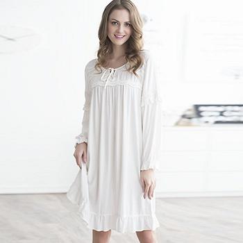 中国•女式白色长袖睡裙