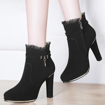 加绒韩版百搭女靴马丁靴?#25351;?#30701;靴