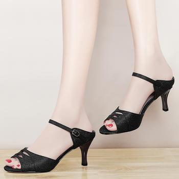 中跟凉鞋水钻时尚女鞋粗跟凉拖