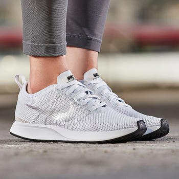 Nike耐克女休闲鞋917682-003