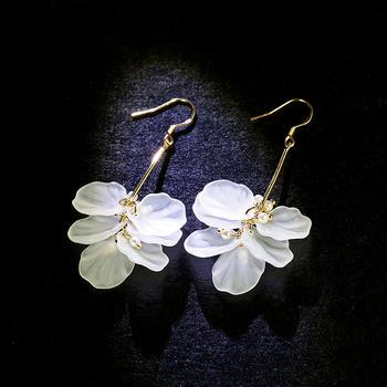 戴拉  甜美花瓣时尚长耳环