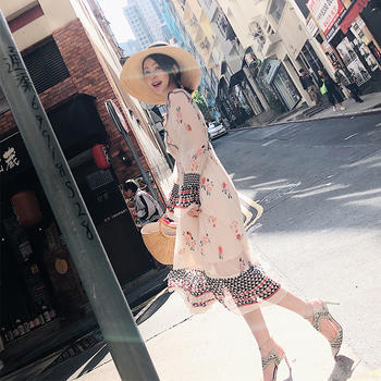 余潇潇波西米亚印花长袖连衣裙