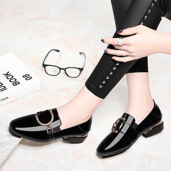 春秋新款韩版百搭小皮鞋粗跟单鞋