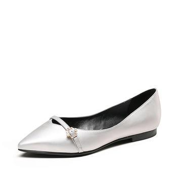 卓诗尼春新品单鞋女 皮带扣铆钉平跟浅口尖头时尚