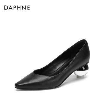 Daphne/达芙妮尖头中跟通勤球形小方头女鞋1018404034