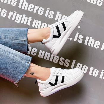 蝶恋霏秋冬新款爆款厚底小白鞋时尚拼色板鞋