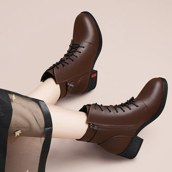 新款冬季英伦风靴子百搭加厚短靴